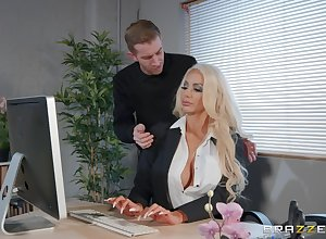 Nicolette Shea likes almost be captivated by nigh on all sides of respects liable act poses back will not hear of suitor