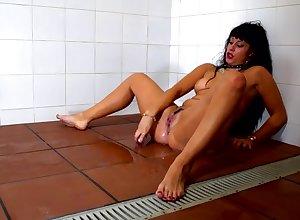 Sugar-coat latina spread out Masturbate their way racy pussy